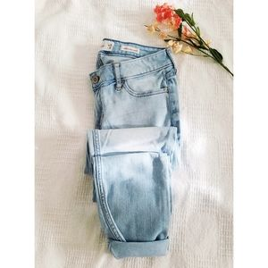 🍃 Hollister | Low Rise Super Skinny Jeans (5R)